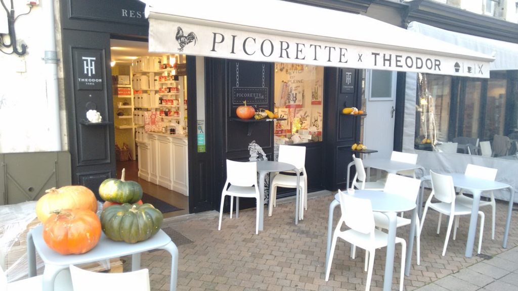 Picorette salon de the in Granville