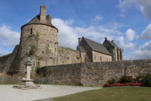 Saint sauveur le vicomte chateau