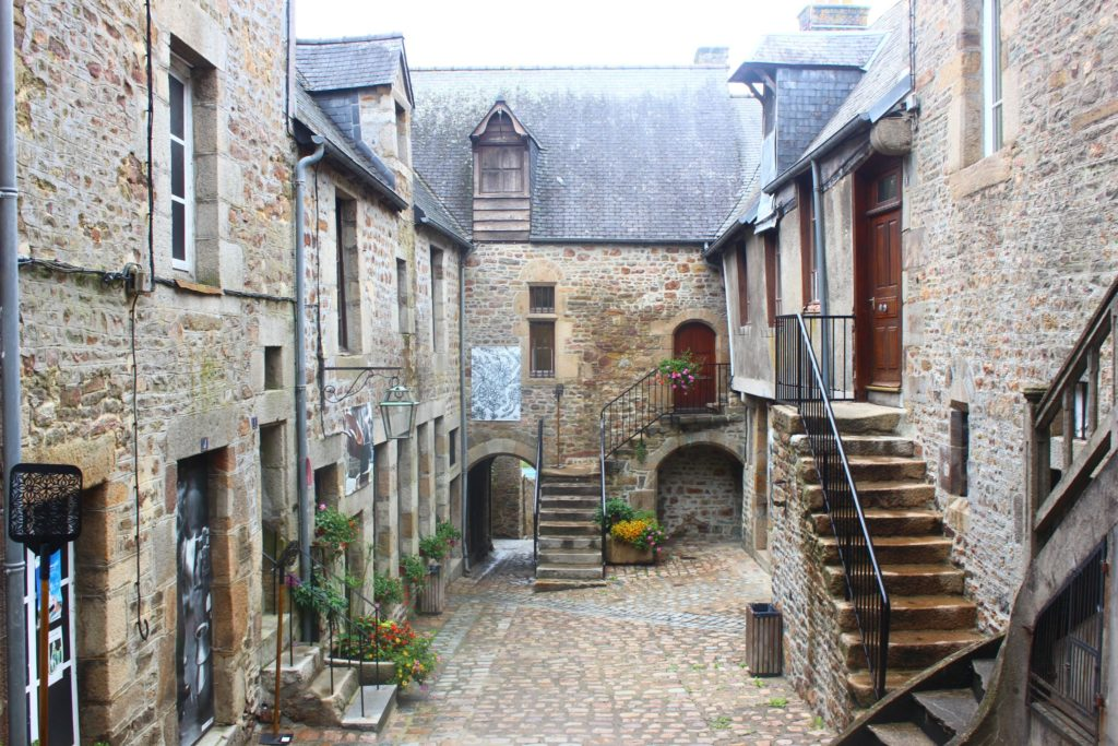 Guided Walk in Villedieu
